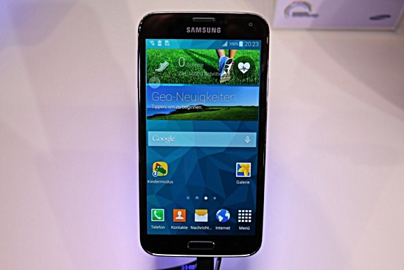 Samsung Galaxy S5 Neo is available for pre-orders in Czech Republic