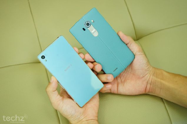 turquoise blue Sony Xperia Z4 and LG G4 in Vietnam